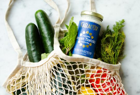 Einkaufsnetzt mit regionalem Gemüse